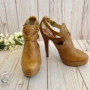 Max Studio Leather Heels - Size 6.5